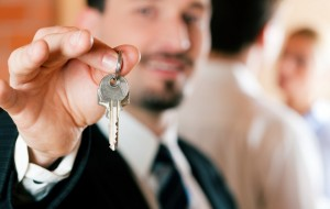 real-estate-agent-buying-house-shutterstock-small