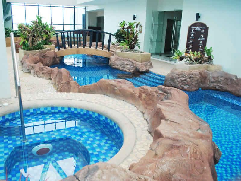 10 Awesome Rooftop Swimming Pools In Metro Manila Lamudi