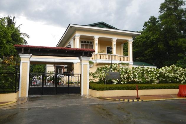 Filipino Celebrities beautiful house - YouTube