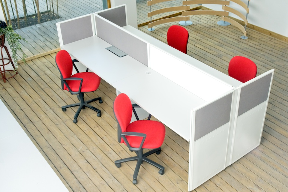 Small office design ideas tips for maximizing space lamudi for How to maximize small spaces