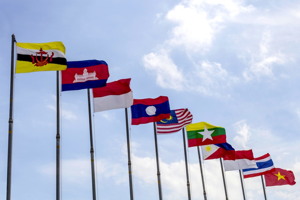 effect of asean economic integration Cautious execution of economic integration through the asean economic community has  by being part of asean while challenges (spillover effects of us .