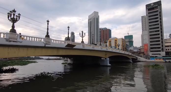 """琼斯大桥重新开放的体育""""新面貌"""""""