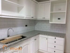Newly Constructed Modern Kitchen