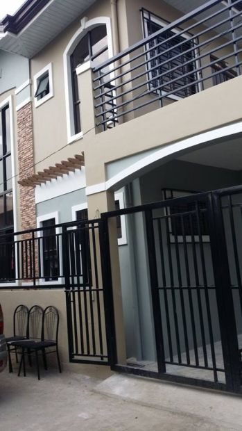 Customized 3 Bedroom House And Lot At Greenview Executive