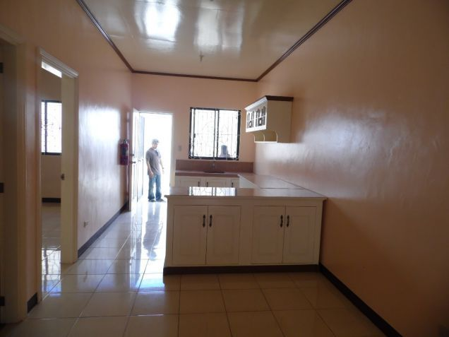 2 bedroom apartment with car garage for rent in pulung maragul angeles. Black Bedroom Furniture Sets. Home Design Ideas