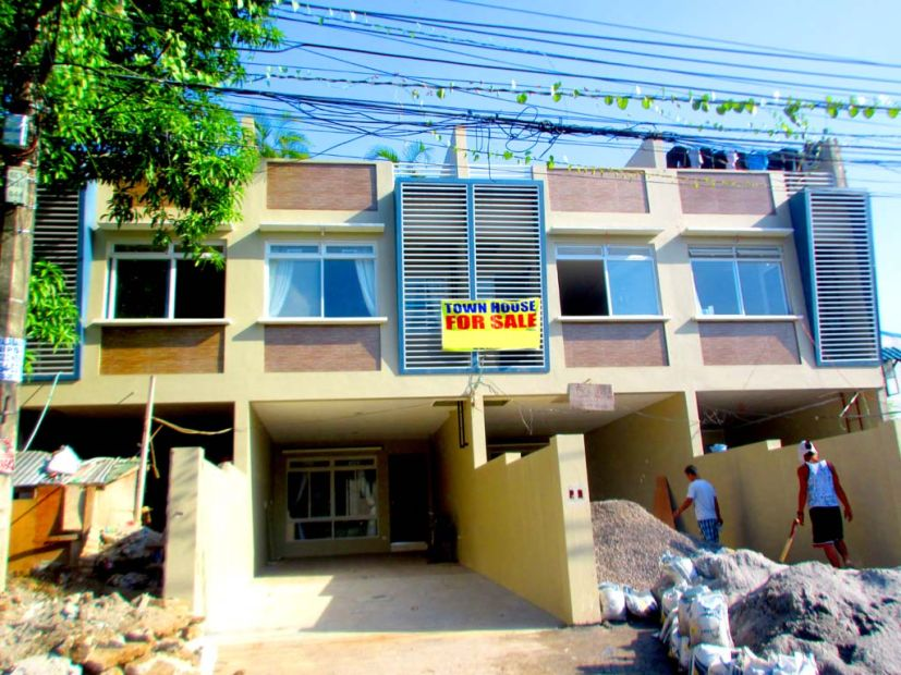Townhouse for sale in project 8 bahay toro quezon city for Bedroom furniture 77598