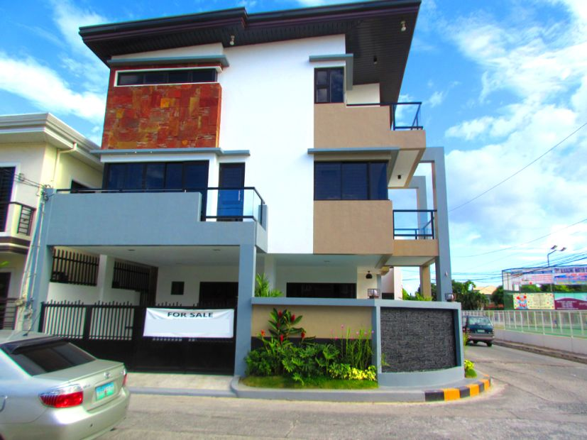 House And Lot With Swimming Pool For Sale In Greenwoods Pasig City