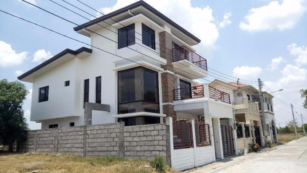 For sale brand new three story house in angeles city for Three story house for sale