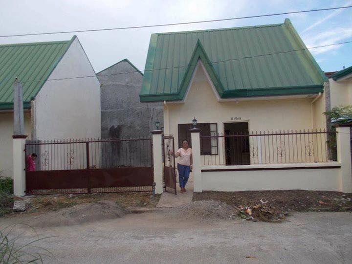 House For Rent Block 17 Lot 16 Peerless Village Brgy