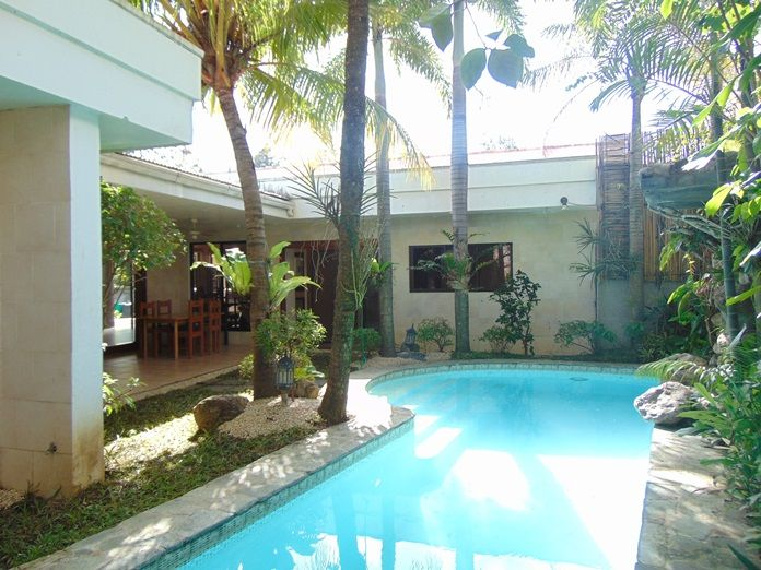 4 bedroom bungalow house with swimming pool for rent in - Houses with swimming pools for rent ...