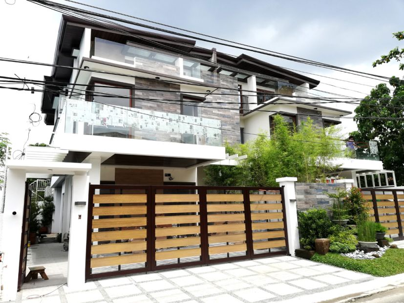 Furnished 3 Storey House and Lot for sale in BF Homes Holy Spirit