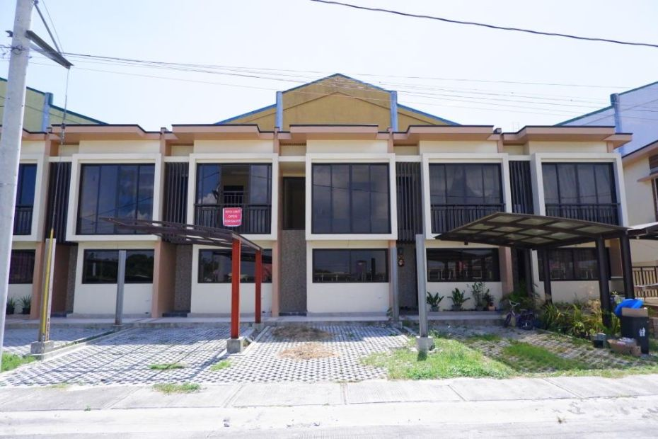 100k Lipat Agad Townhouse In Las Pinas Walking Distance To Sm Southmall