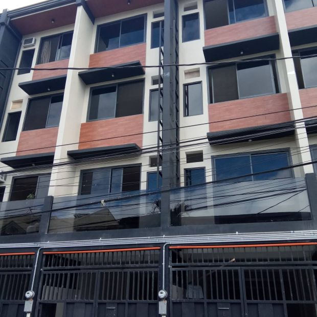San Antonio Makati Townhouse For Sale Residential Commercial Use 2