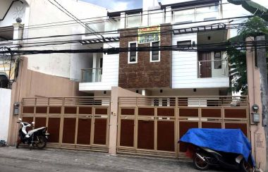 Single Family House For Sale In Tandang Sora, Quezon City, Metro Manila