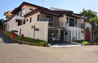 House and Lot for Sale in Betterliving Paranaque | Lamudi