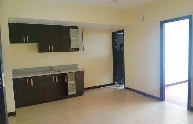 2 Bedroom For Sale in MOA, Metro Manila with Garage | Lamudi