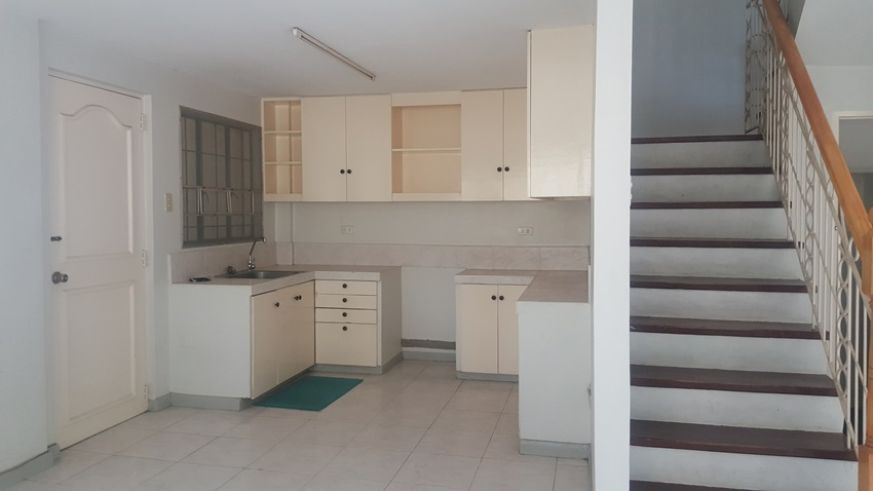 3 Bedrooms Single Family House For Rent