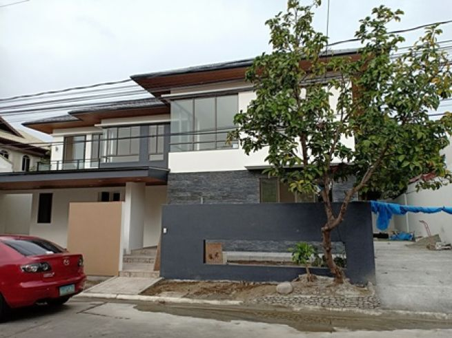 Modern Design House For Sale In B F Homes Paranaque City With 3 Car
