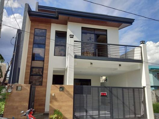 3 Storey House and Lot for Sale in Greenwoods, Pasig City