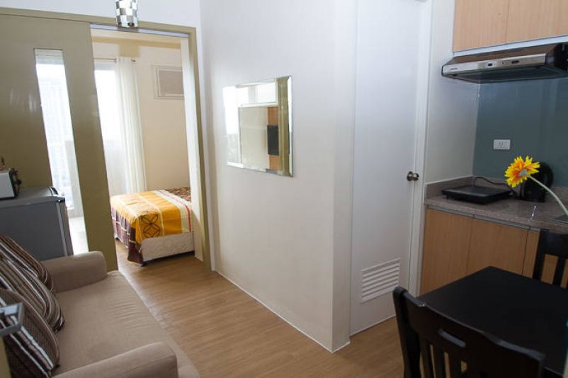 Condominium for Rent in Pio del Pilar Makati