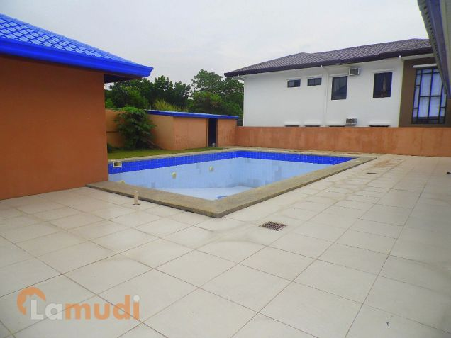 10 Bedroom House With Swimming Pool For Sale In Angeles City 22m